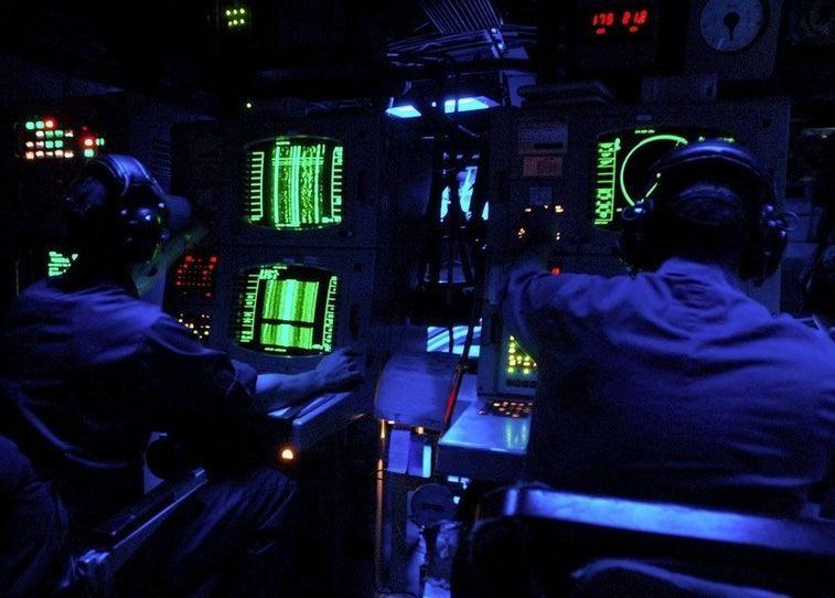 Chùm ảnh lột tả cuộc sống khác thường của thủy thủ tàu ngầm ảnh 12