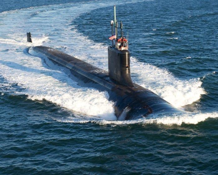 Chùm ảnh lột tả cuộc sống khác thường của thủy thủ tàu ngầm ảnh 1
