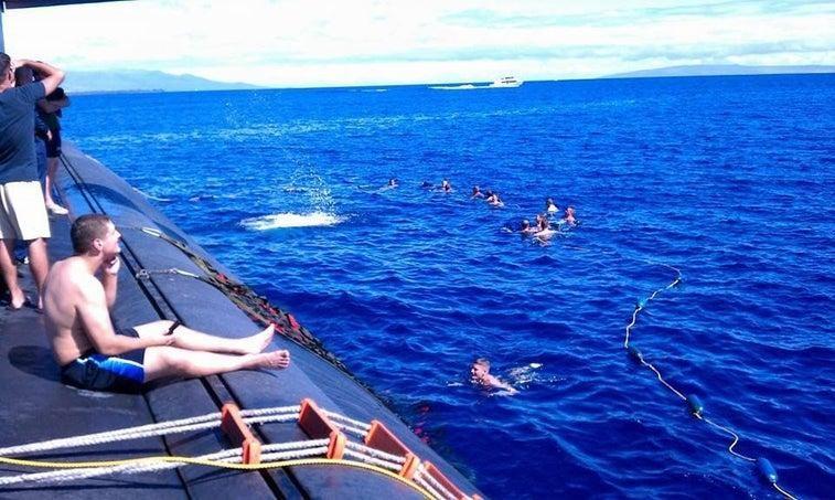 Chùm ảnh lột tả cuộc sống khác thường của thủy thủ tàu ngầm ảnh 14
