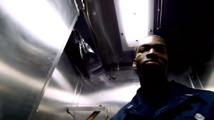 Chùm ảnh lột tả cuộc sống khác thường của thủy thủ tàu ngầm ảnh 10