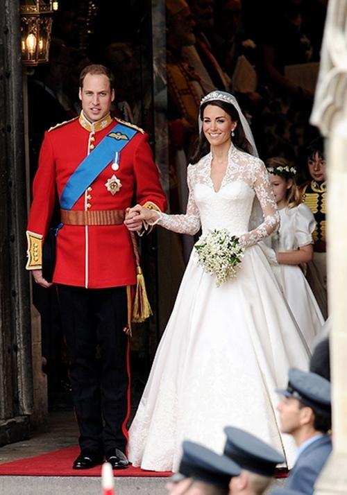 William & Kate: 10 bức ảnh chứng minh một thập kỷ tình yêu vẫn nguyên vẹn như ban đầu ảnh 1