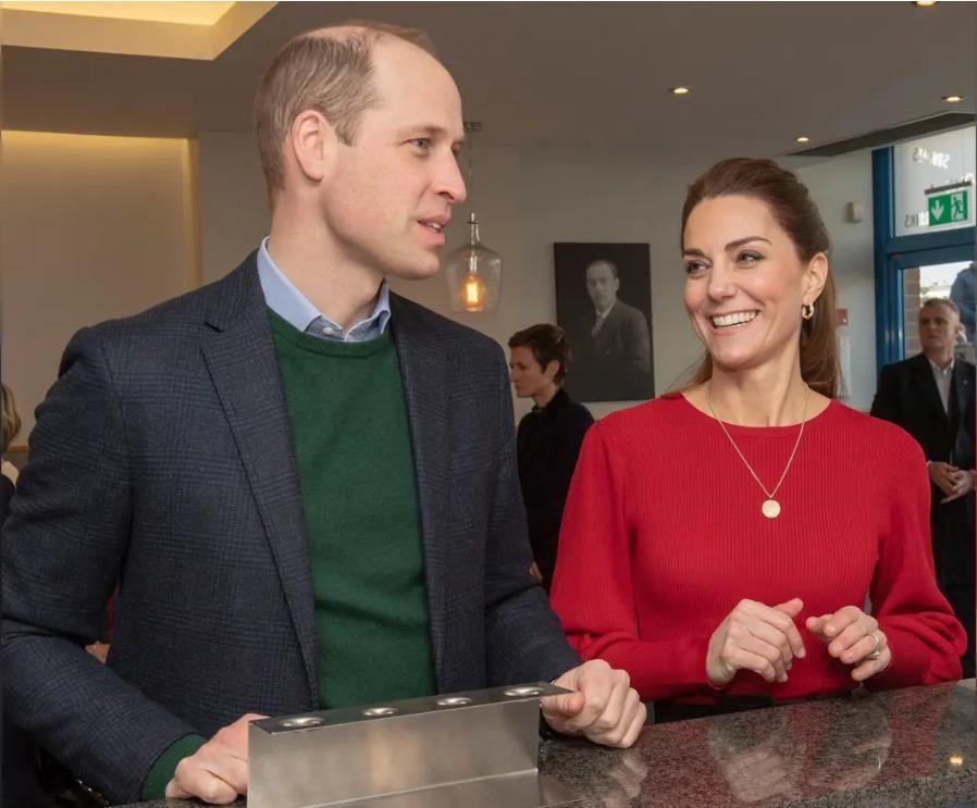 """Tiết lộ câu hỏi của Kate trước đông người khiến William """"lo lắng"""": """"Anh yêu em bao nhiêu?"""" ảnh 1"""