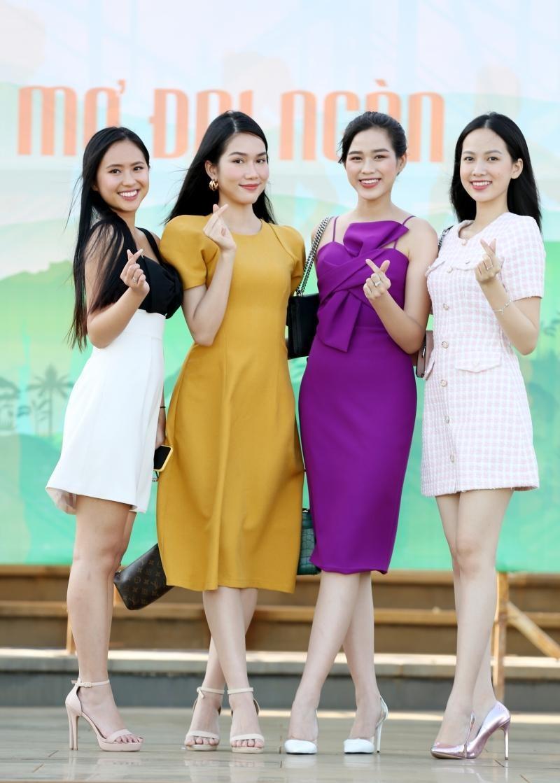 Hoa hậu Đỗ Thị Hà và Á hậu Phương Anh khoe sắc giữa núi rừng Tây Nguyên ảnh 6