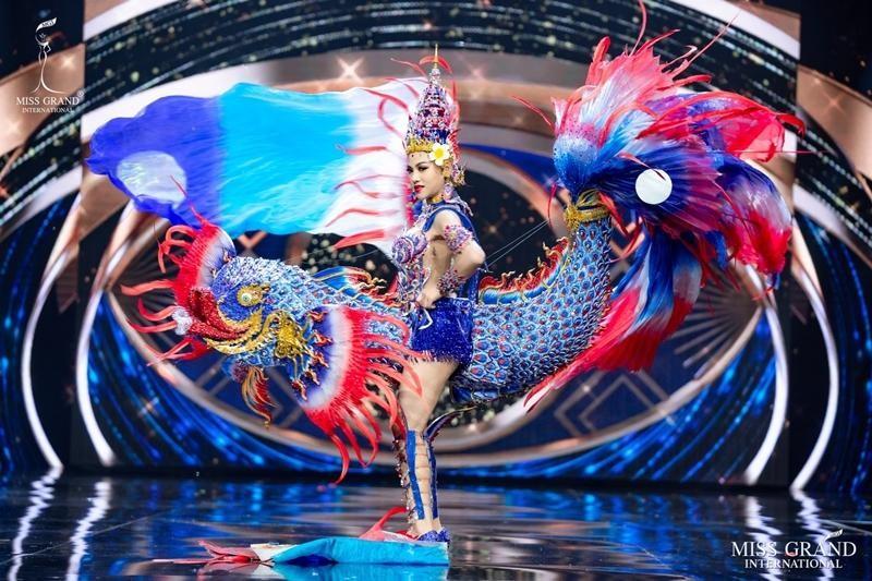 Ngọc Thảo và dàn đối thủ biến sân khấu Miss Grand International 2020 thành lễ hội Carnival ảnh 8