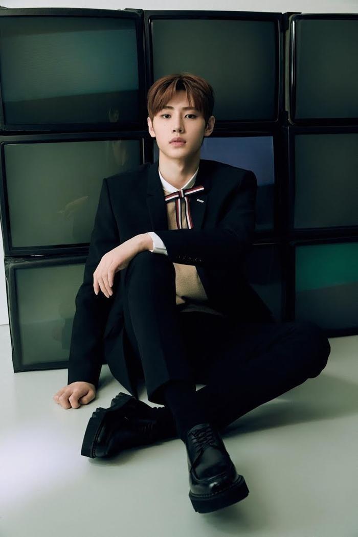 Netizen Hàn bình chọn 3 nam idol sở hữu visual lúc ngây thơ mộng mơ, lúc nam tính quyến rũ ảnh 11