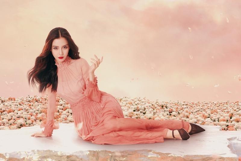 Vừa được khen đẹp như nữ thần trên thảm đỏ, Angela Baby mới đây lại bị chê mất phong độ ảnh 6