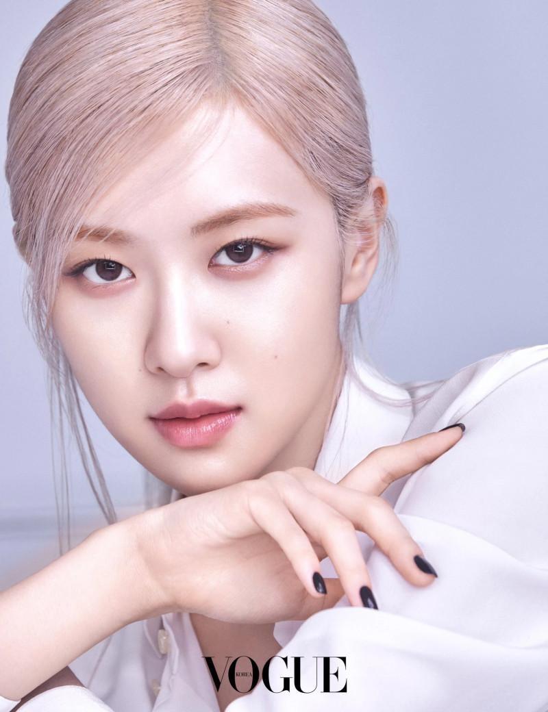 Quảng cáo mỹ phẩm chân thực như Rosé, nhìn làn da căng bóng là biết chỉ dùng dưỡng ảnh 3