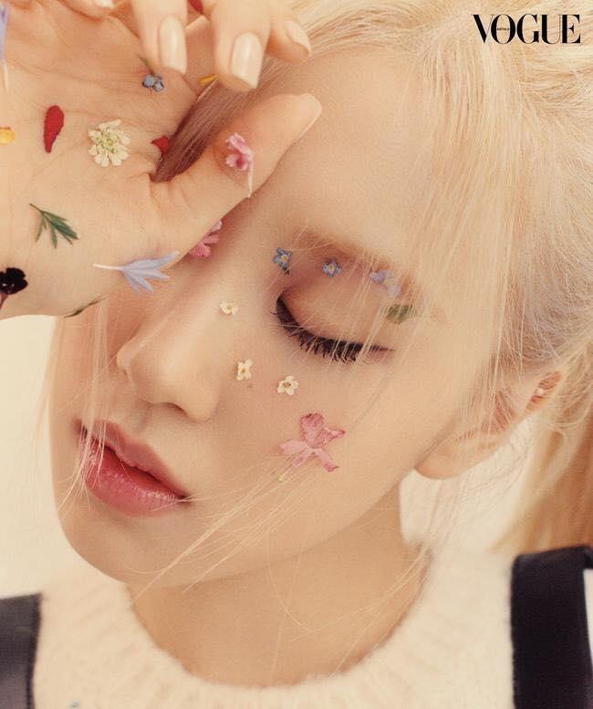Quảng cáo mỹ phẩm chân thực như Rosé, nhìn làn da căng bóng là biết chỉ dùng dưỡng ảnh 2