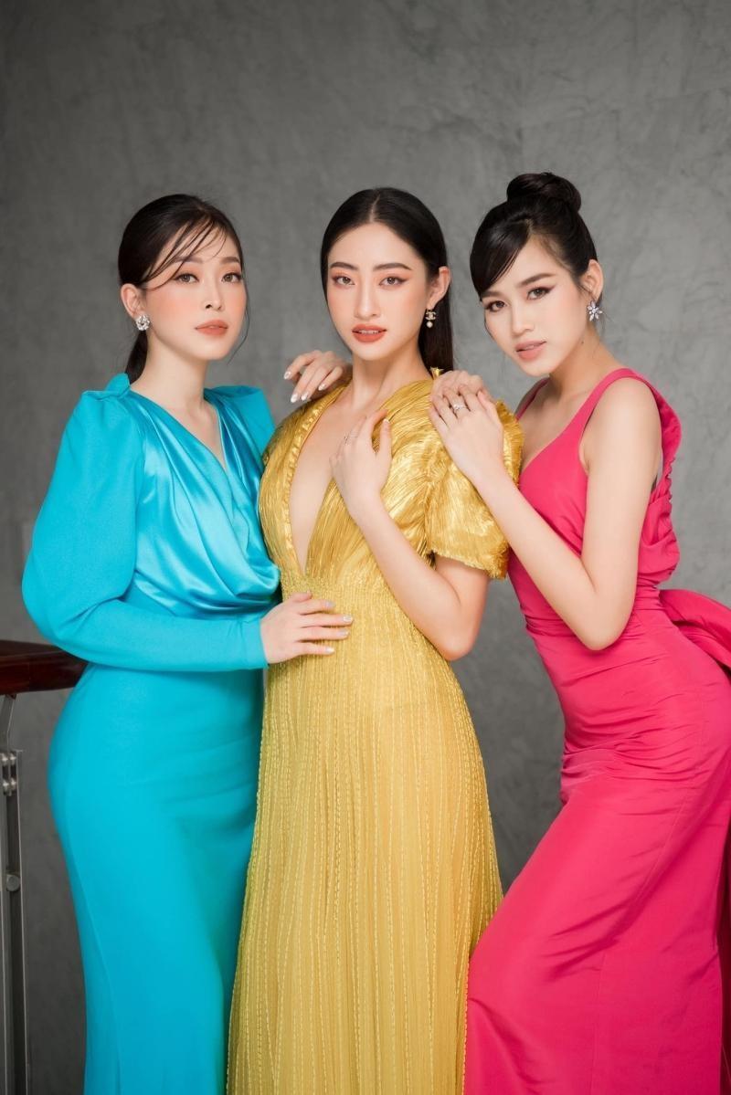 Hoa hậu Đỗ Thị Hà đổi kiểu váy mới, không khoe chân mà nhìn vẫn cảm giác chân dài miên man ảnh 9