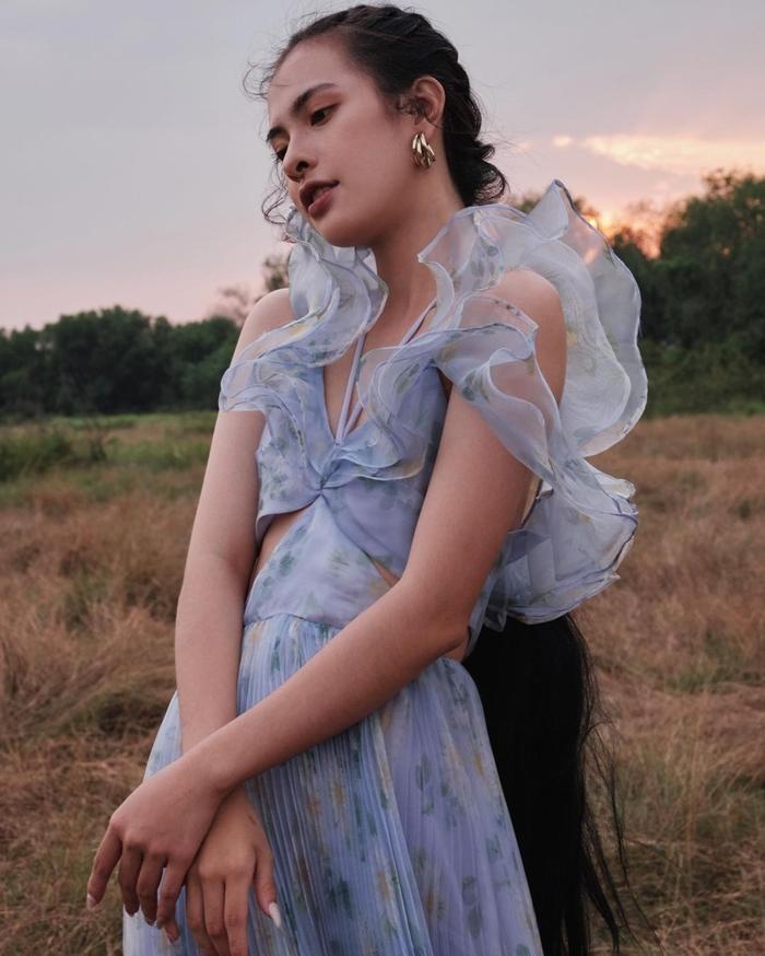 Ngọc Trinh xinh như công chúa, nhưng lại khiến liên tưởng đến Momo TWICE và Rosé BLACKPINK ảnh 8