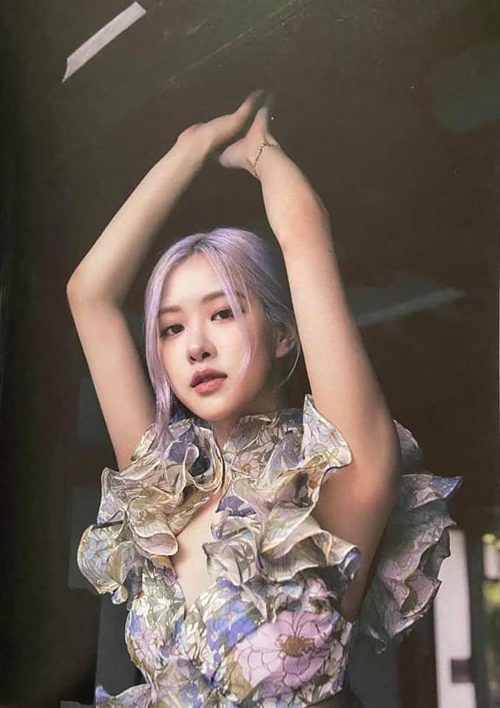 Ngọc Trinh xinh như công chúa, nhưng lại khiến liên tưởng đến Momo TWICE và Rosé BLACKPINK ảnh 6