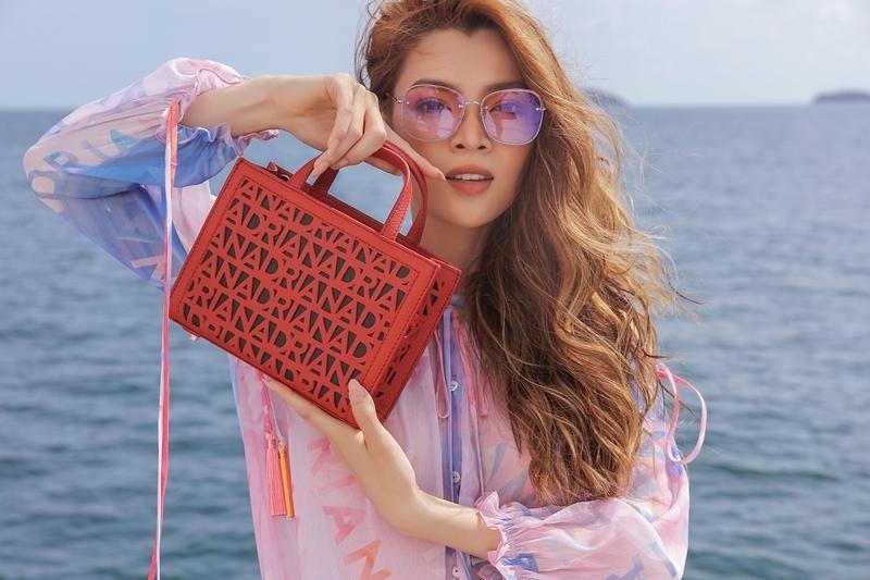 Hoa hậu chuyển giới Trân Đài cùng 2 Á hậu gợi ý trang phục đi biển đầy quyến rũ ảnh 2