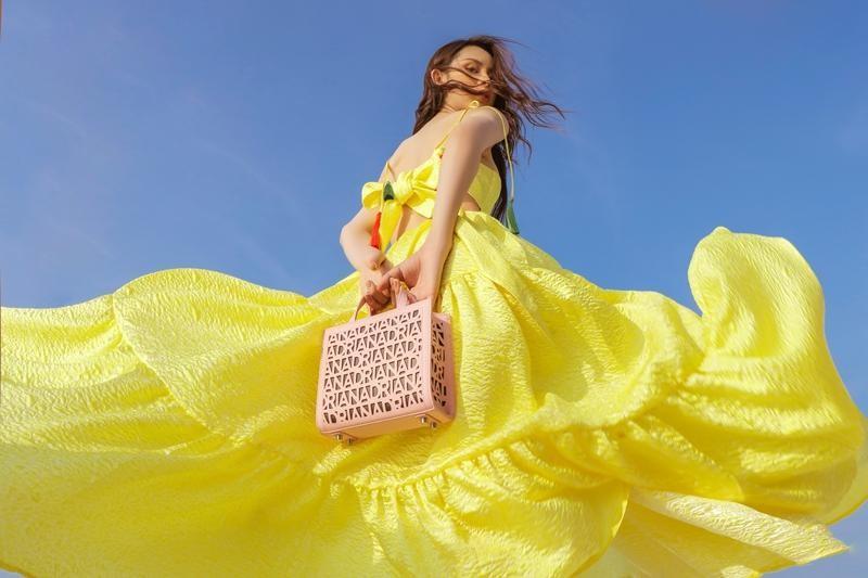 Hoa hậu chuyển giới Trân Đài cùng 2 Á hậu gợi ý trang phục đi biển đầy quyến rũ ảnh 10