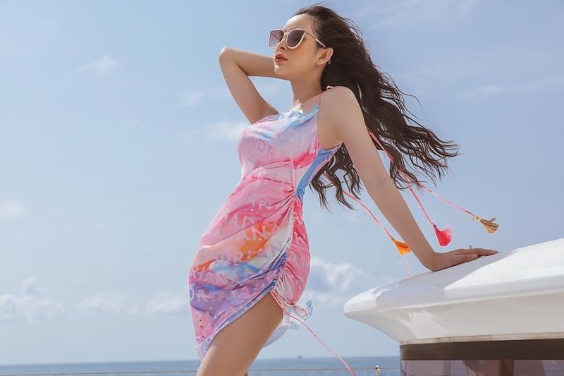 Hoa hậu chuyển giới Trân Đài cùng 2 Á hậu gợi ý trang phục đi biển đầy quyến rũ ảnh 4