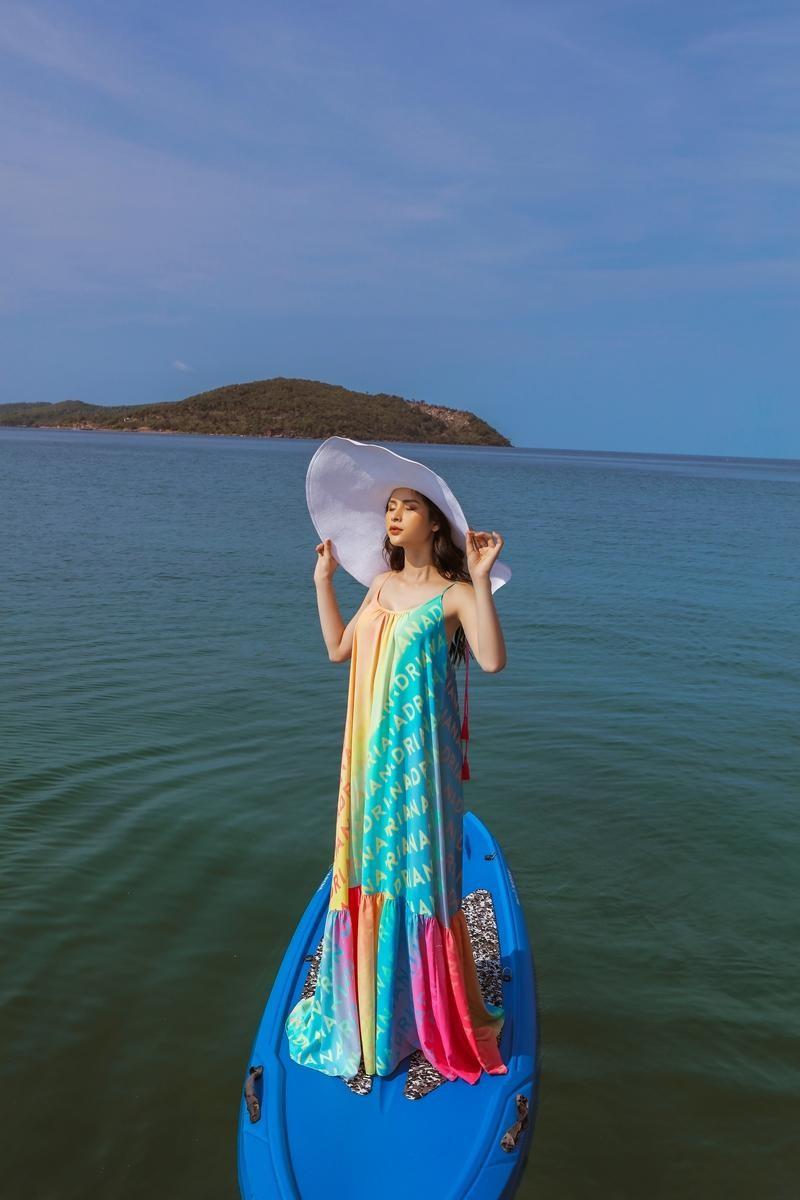 Hoa hậu chuyển giới Trân Đài cùng 2 Á hậu gợi ý trang phục đi biển đầy quyến rũ ảnh 7