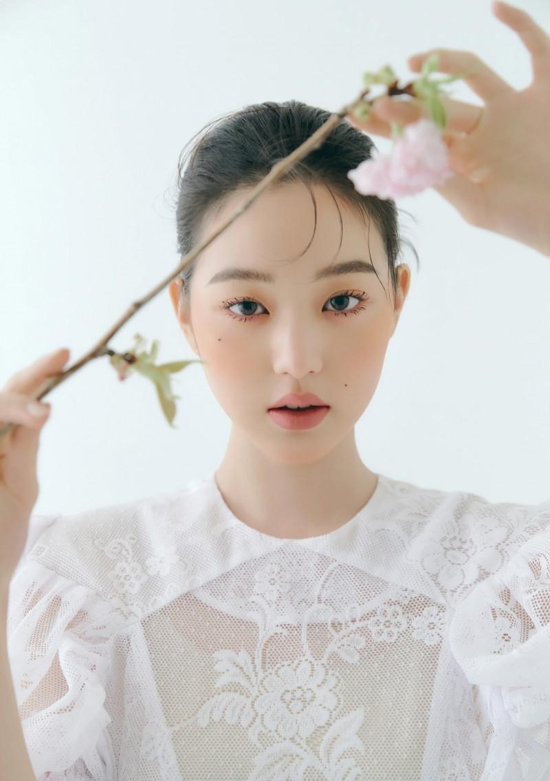 """Chụp ảnh beauty """"sang-xịn-mịn"""" như Jang Won Young, một mình độc chiếm gần 20 trang tạp chí ảnh 8"""