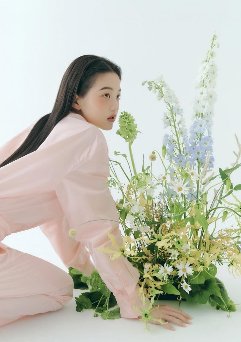 """Chụp ảnh beauty """"sang-xịn-mịn"""" như Jang Won Young, một mình độc chiếm gần 20 trang tạp chí ảnh 11"""