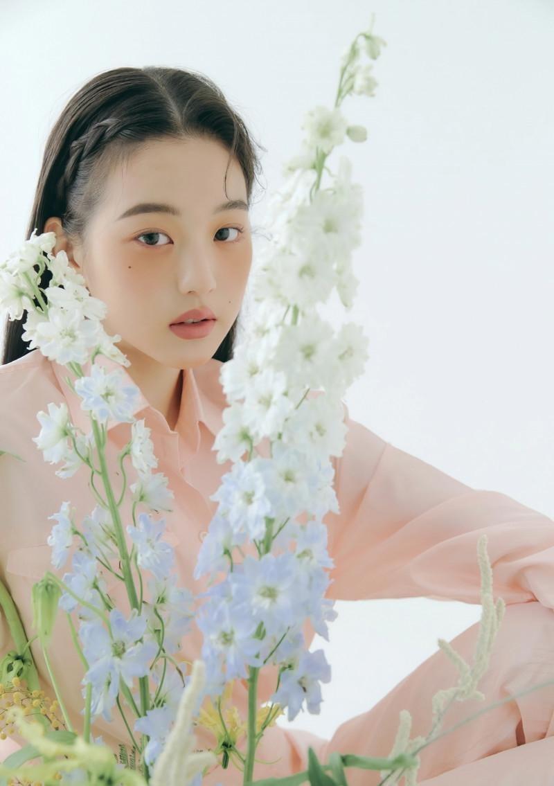 """Chụp ảnh beauty """"sang-xịn-mịn"""" như Jang Won Young, một mình độc chiếm gần 20 trang tạp chí ảnh 10"""
