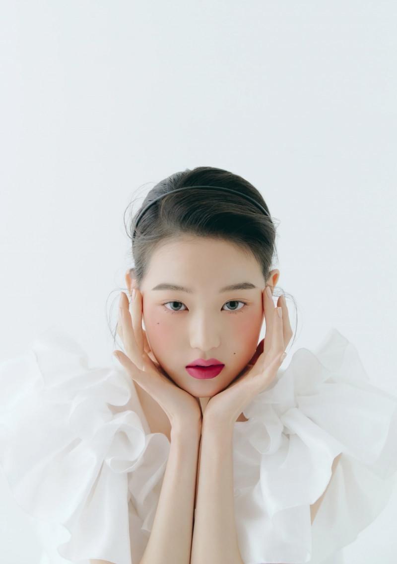 """Chụp ảnh beauty """"sang-xịn-mịn"""" như Jang Won Young, một mình độc chiếm gần 20 trang tạp chí ảnh 9"""