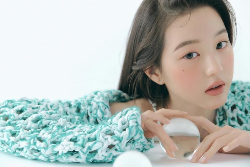 """Chụp ảnh beauty """"sang-xịn-mịn"""" như Jang Won Young, một mình độc chiếm gần 20 trang tạp chí ảnh 4"""