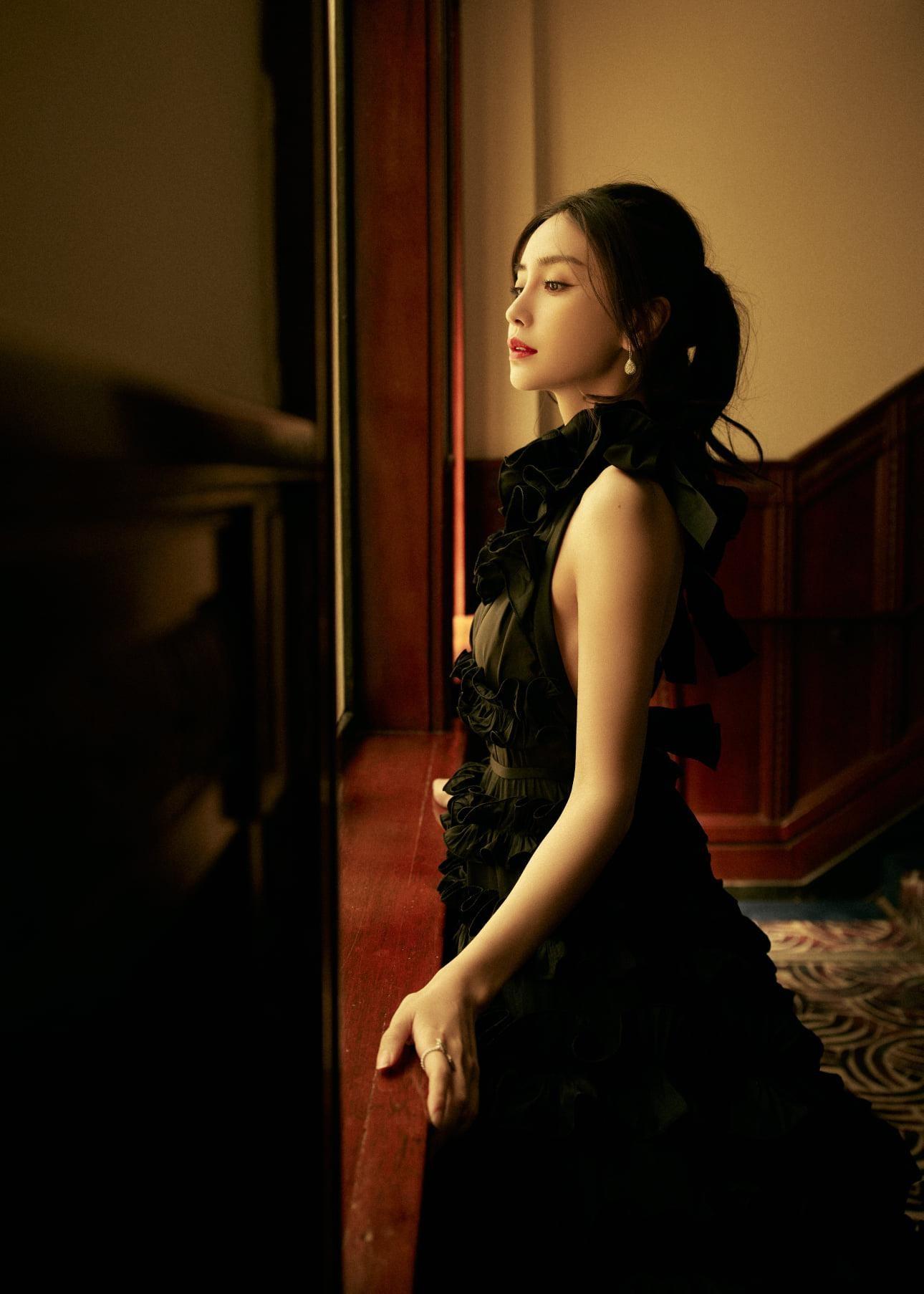 Angela Baby gây thất vọng vì diện đồ Haute Couture trên thảm đỏ khác xa ảnh chụp studio ảnh 3