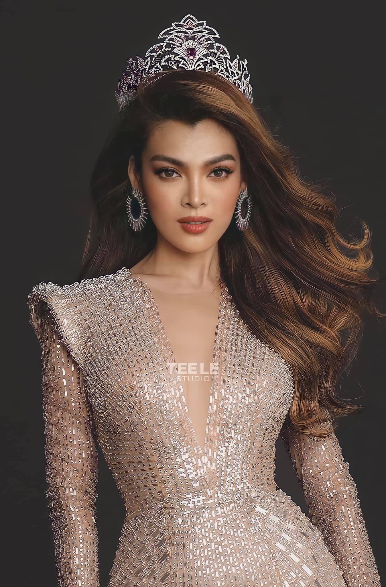 """Ý tưởng quốc phục cực """"bá đạo"""" cho Hoa hậu Trân Đài, sốc nhất là thiết kế """"Cầu Tõm"""" ảnh 1"""