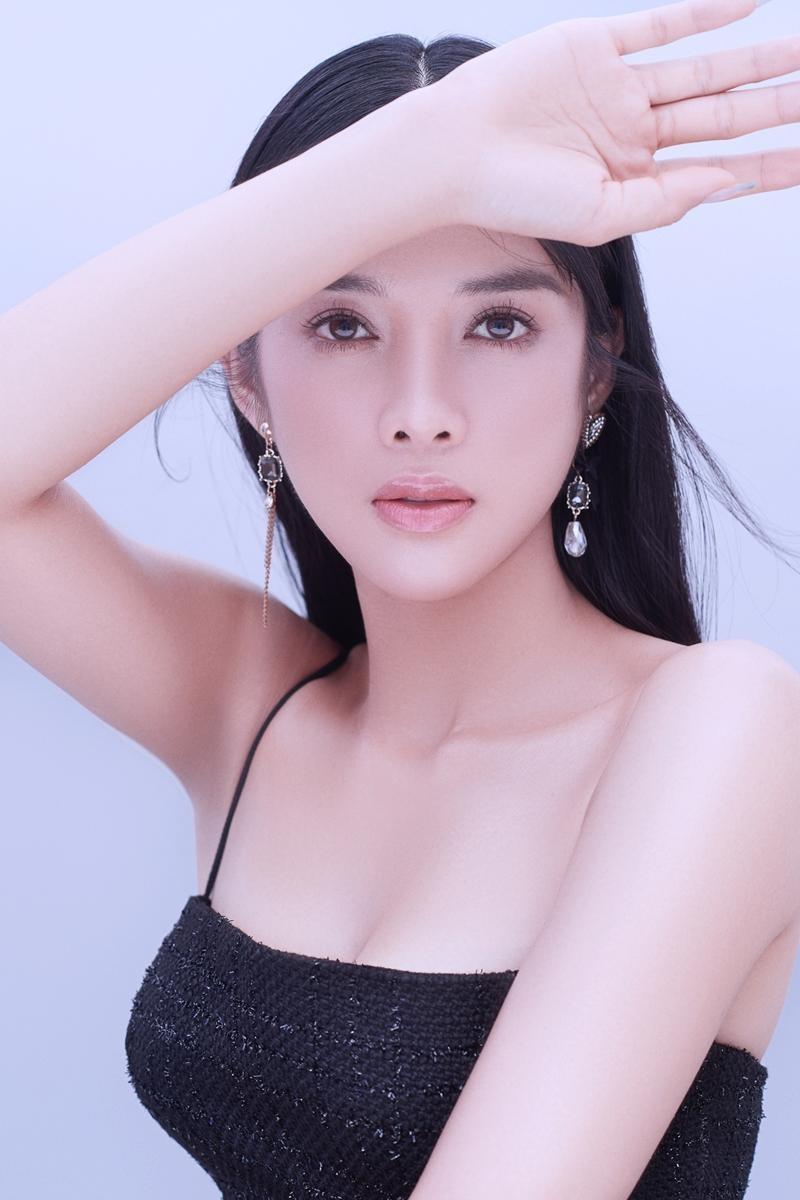 """Ngắm """"nàng Kiều"""" Mỹ Duyên, cô gái có sắc vóc không thua bất kỳ mỹ nhân nào ở showbiz Việt ảnh 4"""