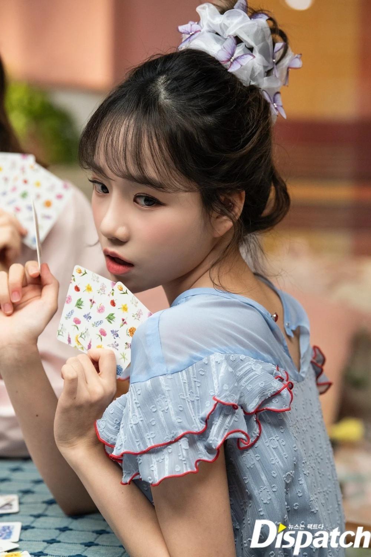 IZ*ONE gây tiếc nuối với loạt ảnh xinh như công chúa dành tặng fan trước khi tan rã ảnh 12