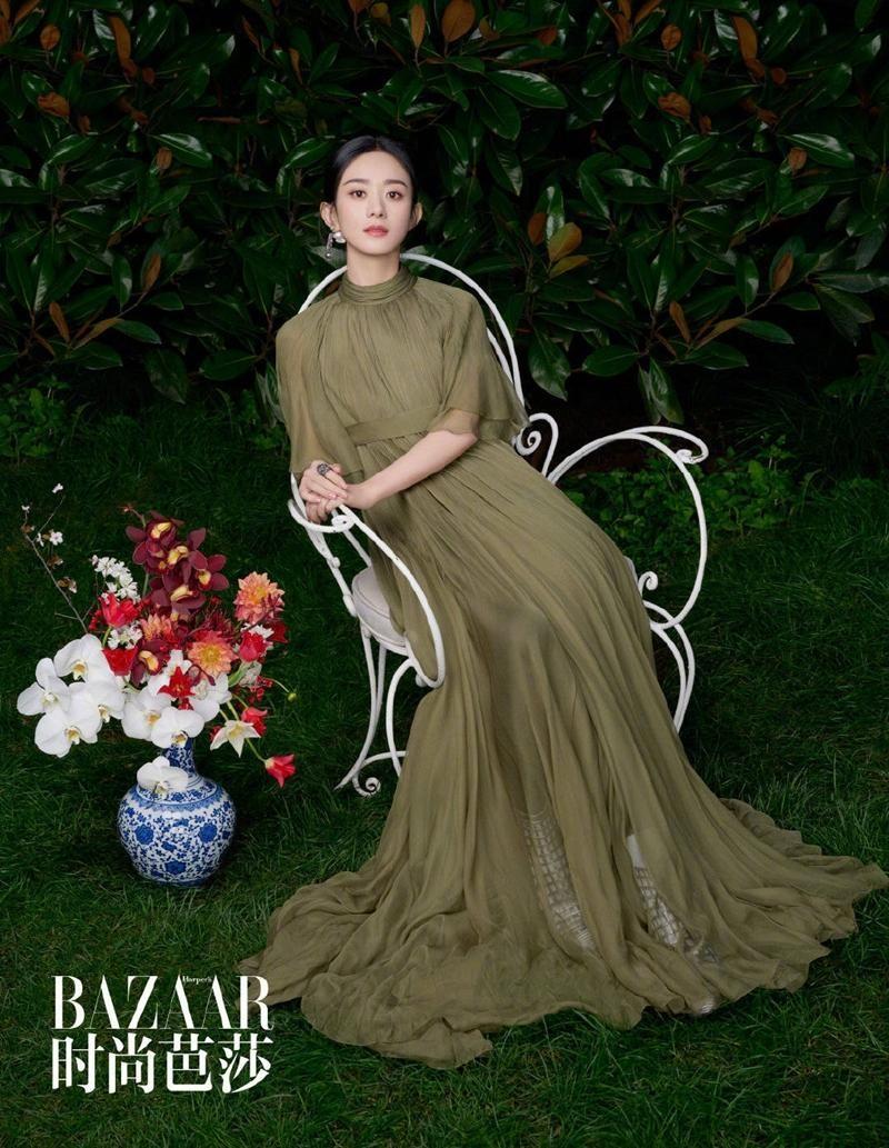 Triệu Lệ Dĩnh được Dior đẩy lên bìa tạp chí lớn, netizen liên tục nhắc tên đại sứ Jisoo ảnh 7
