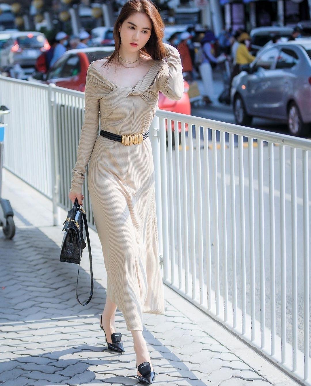 """Chỉ nửa đầu tháng Tư, Ngọc Trinh đã có hàng loạt bộ ảnh thời trang """"vạn người mê"""" ảnh 9"""