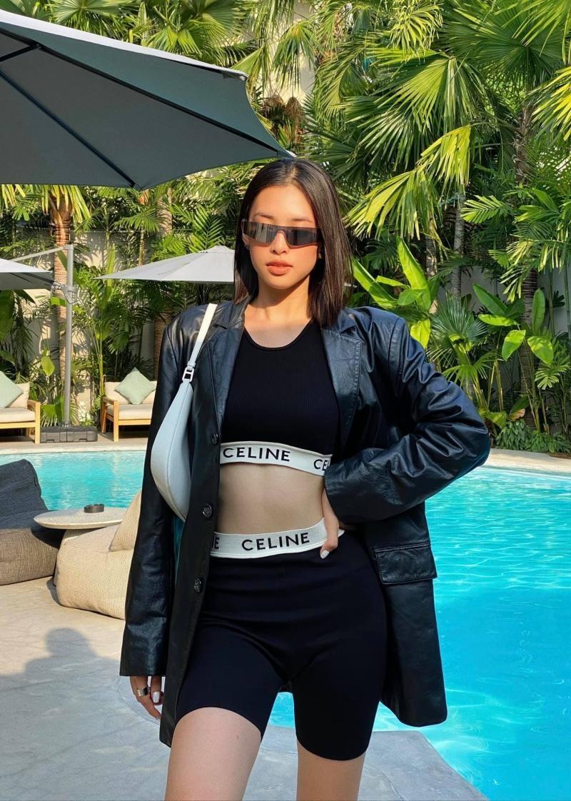 Hoa hậu Tiểu Vy được khen thần thái đẹp không thua gì Lisa BLACKPINK khi diện cùng set đồ ảnh 1
