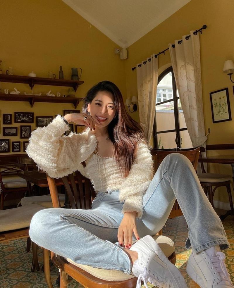 Học Thiều Bảo Trâm, Châu Bùi, Lương Thùy Linh cách chọn trang phục Hè rực sắc màu  ảnh 9