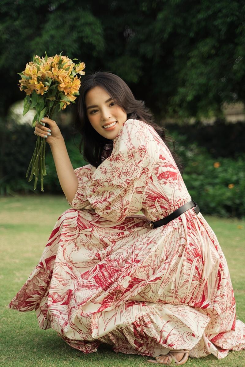 Lâu lắm rồi mới thấy Hoa hậu Kỳ Duyên dịu dàng đến thế, xinh đẹp tựa nàng thơ ảnh 7