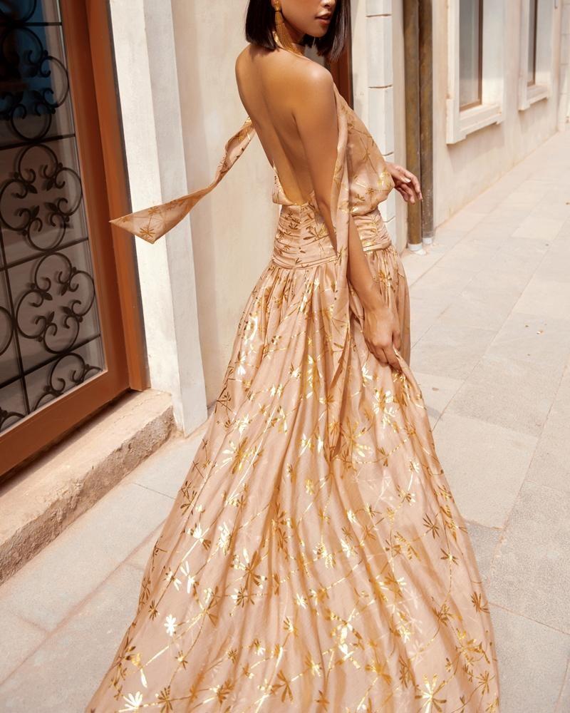 """Hoa hậu Tiểu Vy khoe """"đường cong nữ thần"""" với bộ ảnh thời trang chào Hè đẹp ngất ngây ảnh 13"""