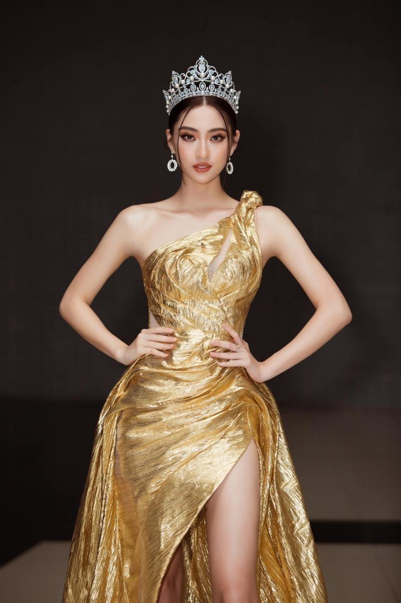 """Hoa hậu Lương Thùy Linh khoe visual chuẩn """"nữ thần"""", chiêu mộ không ít thí sinh Miss World ảnh 4"""