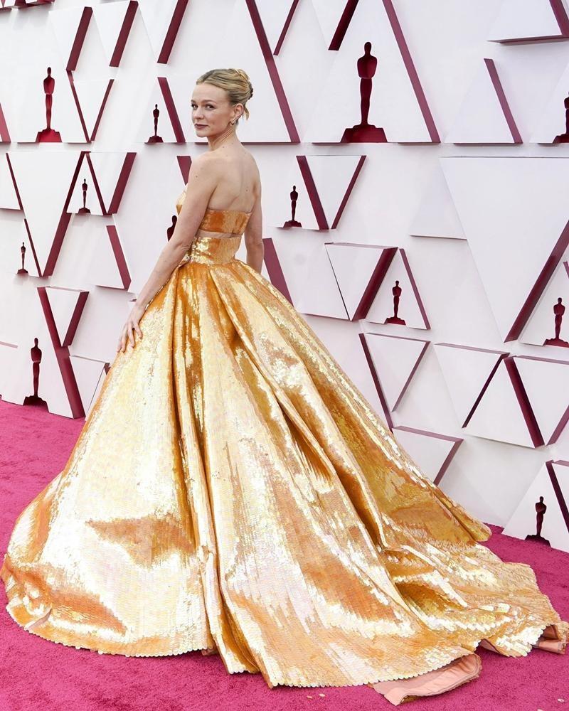 Thảm đỏ Oscar 2021: Bữa tiệc thời trang rực rỡ, công chúa Disney Zendaya chiếm spotlight ảnh 4