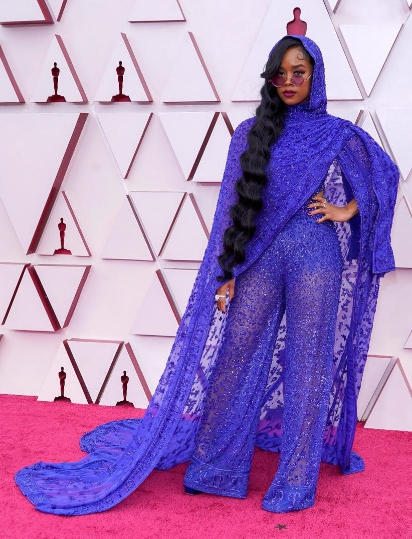 Thảm đỏ Oscar 2021: Bữa tiệc thời trang rực rỡ, công chúa Disney Zendaya chiếm spotlight ảnh 13