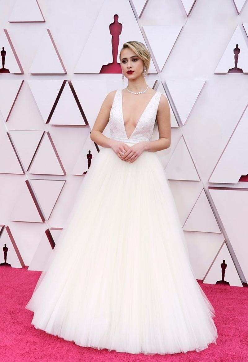 Thảm đỏ Oscar 2021: Bữa tiệc thời trang rực rỡ, công chúa Disney Zendaya chiếm spotlight ảnh 11