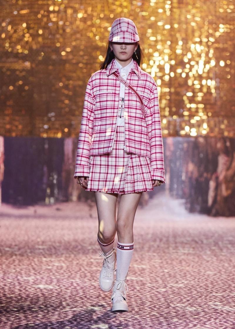 Dior tiếp tục tiết lộ các thiết kế lấy cảm hứng từ Jisoo, netizen tấm tắc khen chuẩn ảnh 3
