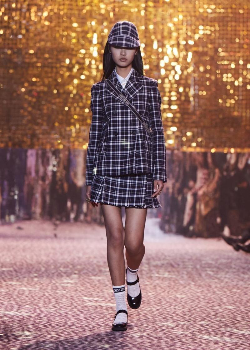 Dior tiếp tục tiết lộ các thiết kế lấy cảm hứng từ Jisoo, netizen tấm tắc khen chuẩn ảnh 4