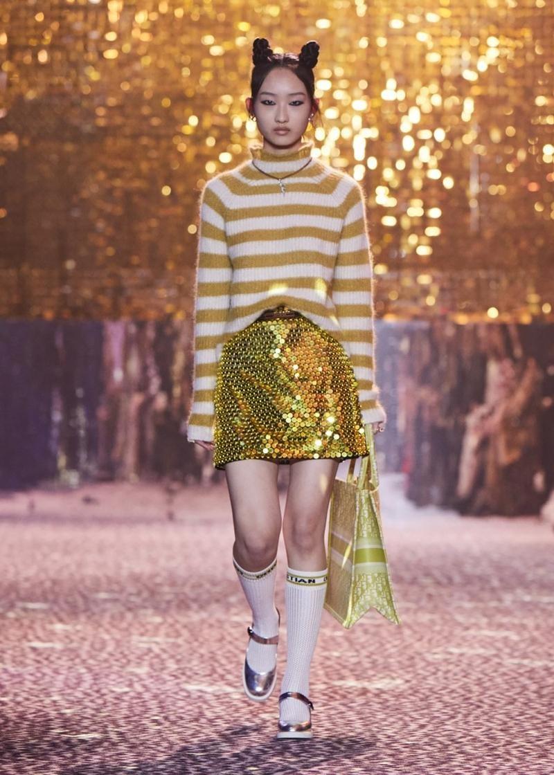 Dior tiếp tục tiết lộ các thiết kế lấy cảm hứng từ Jisoo, netizen tấm tắc khen chuẩn ảnh 9