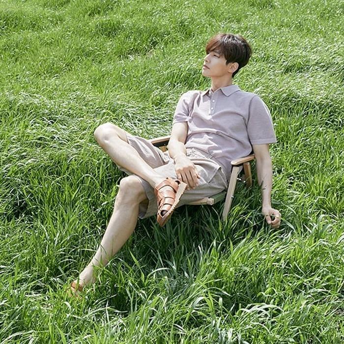 Nhan sắc ở tuổi 43 của Won Bin gây choáng ngợp, netizen Hàn không tin đây là ảnh mới chụp ảnh 9
