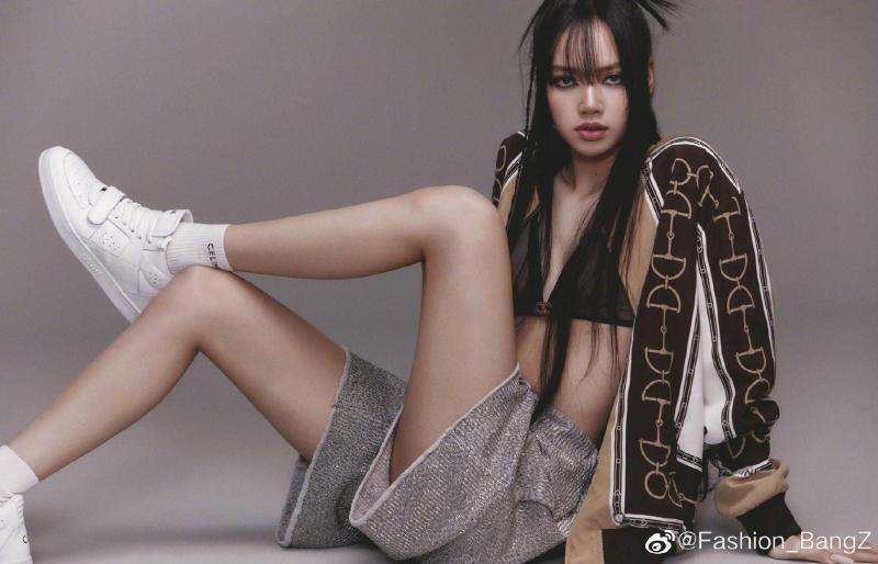 VOGUE Nhật tung bộ ảnh trang trong của Lisa BLACKPINK, tiết lộ điều nữ idol trân quý nhất ảnh 9