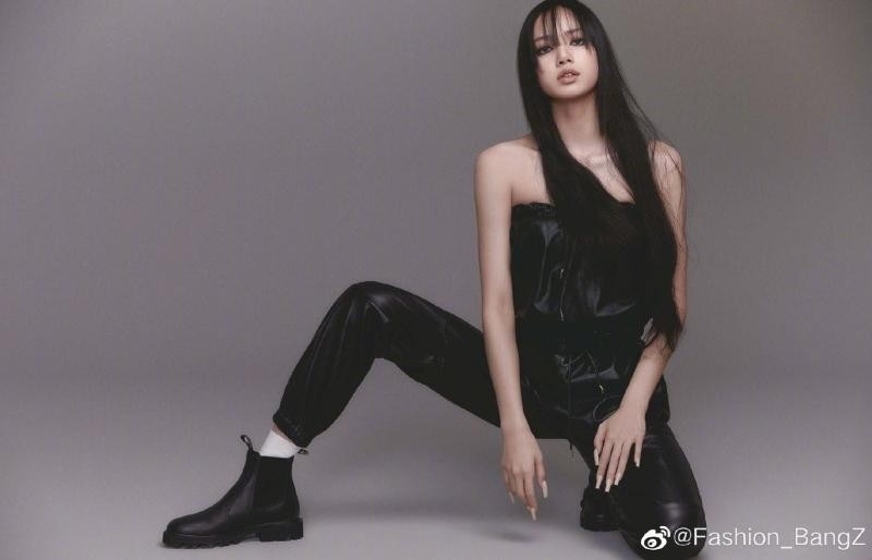VOGUE Nhật tung bộ ảnh trang trong của Lisa BLACKPINK, tiết lộ điều nữ idol trân quý nhất ảnh 6