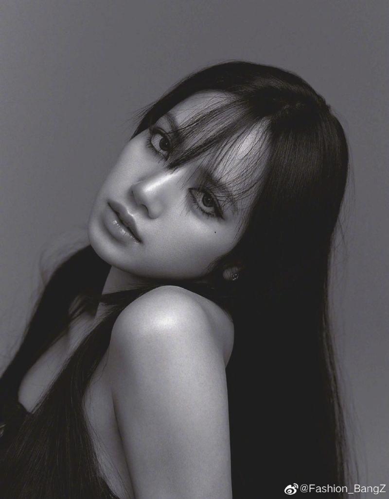VOGUE Nhật tung bộ ảnh trang trong của Lisa BLACKPINK, tiết lộ điều nữ idol trân quý nhất ảnh 3