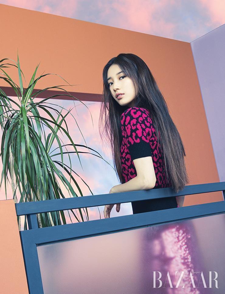 Mặc thiết kế được lấy cảm hứng từ Jisoo BLACKPINK, đại sứ thương hiệu Suzy trông thế nào? ảnh 2