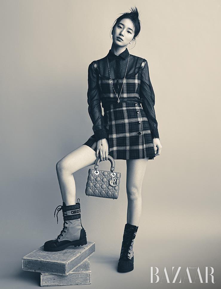 Mặc thiết kế được lấy cảm hứng từ Jisoo BLACKPINK, đại sứ thương hiệu Suzy trông thế nào? ảnh 7