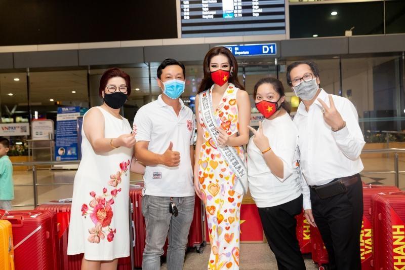 Hoa hậu Khánh Vân diện bộ trang phục ý nghĩa, lên đường sang Mỹ tham dự Miss Universe 2020 ảnh 4