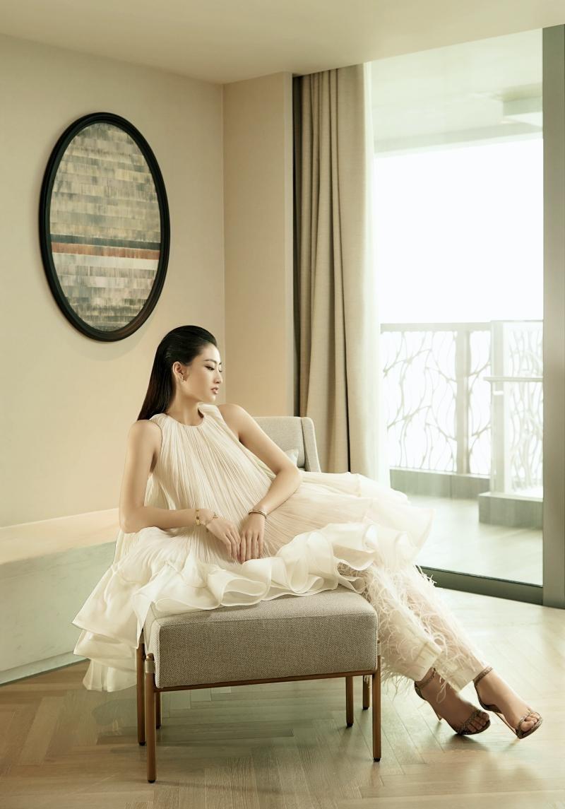 """Hoa hậu Lương Thùy Linh mặc đồ CONG TRI, khoe nhan sắc """"không có đối thủ"""" trong bộ ảnh mới ảnh 12"""
