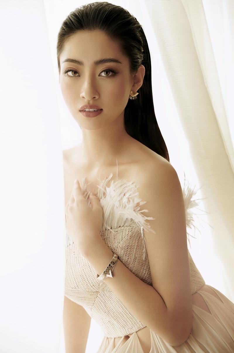 """Hoa hậu Lương Thùy Linh mặc đồ CONG TRI, khoe nhan sắc """"không có đối thủ"""" trong bộ ảnh mới ảnh 6"""